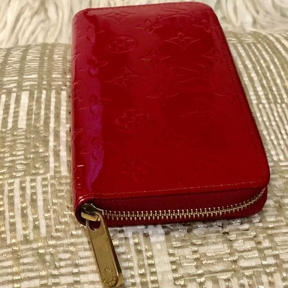 b9783dfad232 Louis Vuitton Handbags - Louis Vuitton Zippy Vernis Red Monogram Wallet